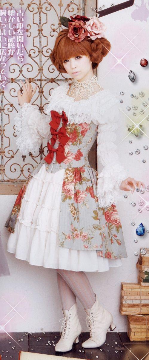 Grand classic lolita. Like a royal princess. #classiclolita #lolitafashion #vintage #style