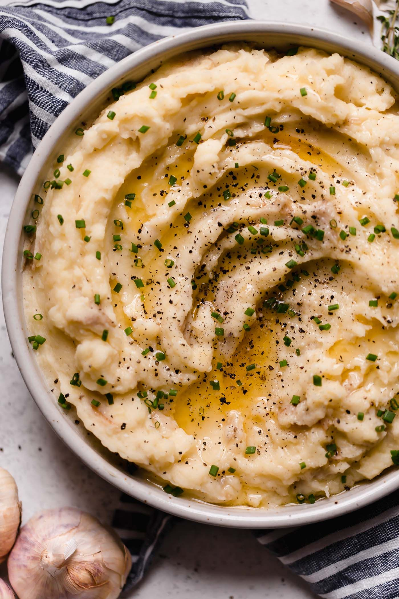 Roasted Garlic Buttermilk Mashed Potatoes Plays Well With Butter Recipe Buttermilk Mashed Potatoes Roasted Garlic Recipes
