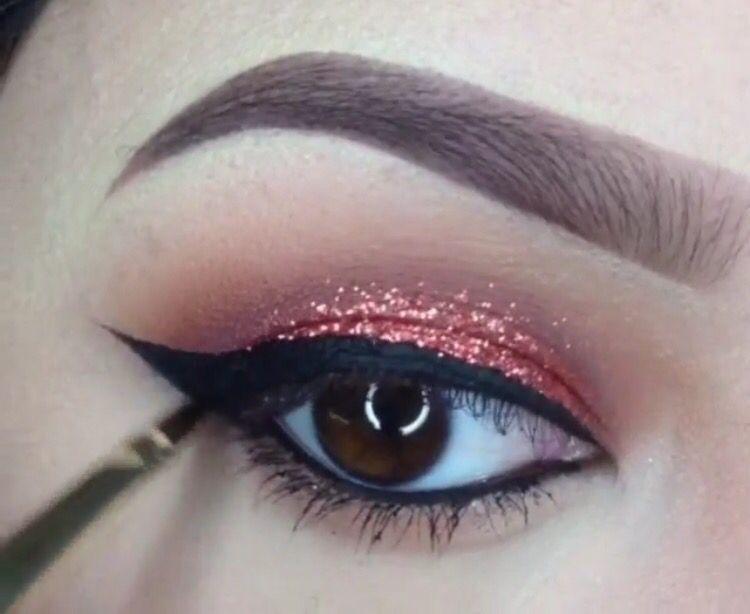 ABH eyeshadows in sienna, caramel and deep plum. MAC glitter in reigning riches (mua: @mindy_espii)