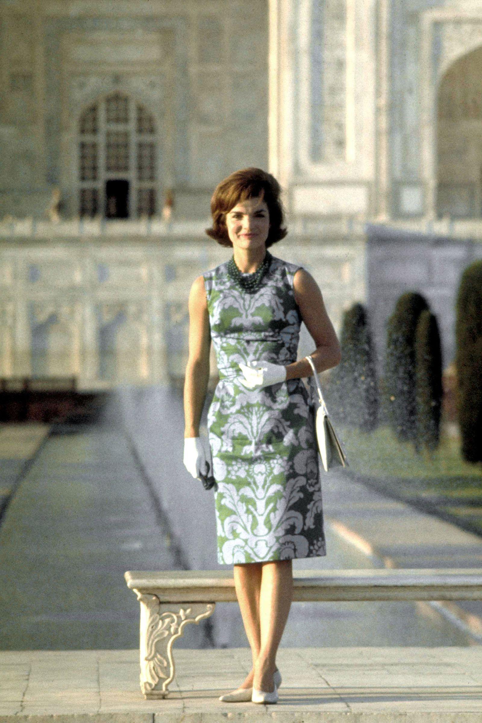 4b9d1da42e2 In Photos  Jackie Kennedy Onassis s Iconic Style - HarpersBAZAAR.com