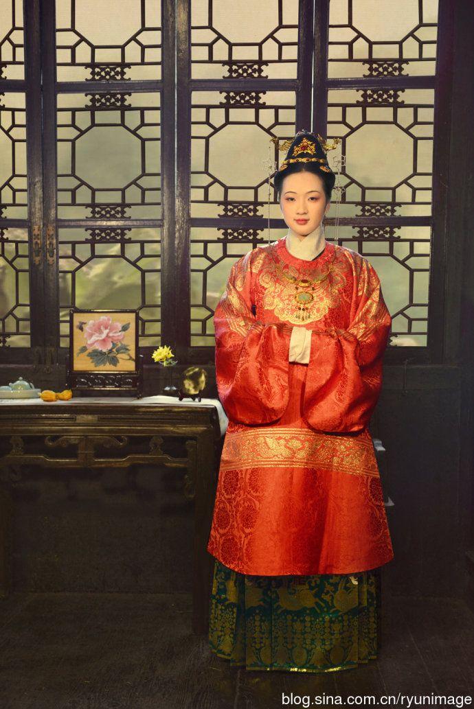 wedding dress of Ming dynasty (1368–1644), hanfu revival.