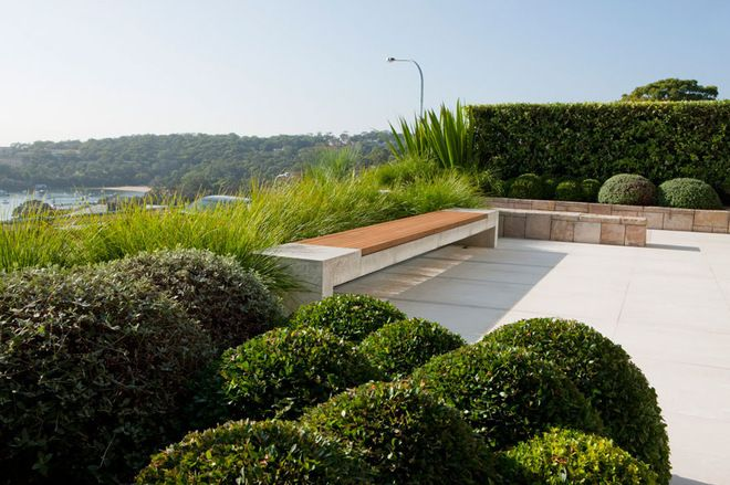 Mass And Void In Garden Design Landscapes Take Shape With 3 D Thinking Landscape Design Front Garden Design Garden Design