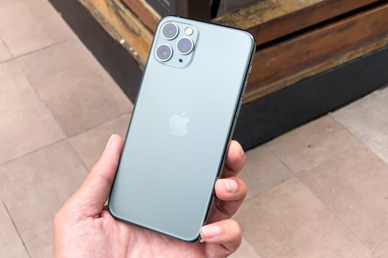 Unboxing Hands On Iphone 11 Pro Midnight Green S Izobrazheniyami