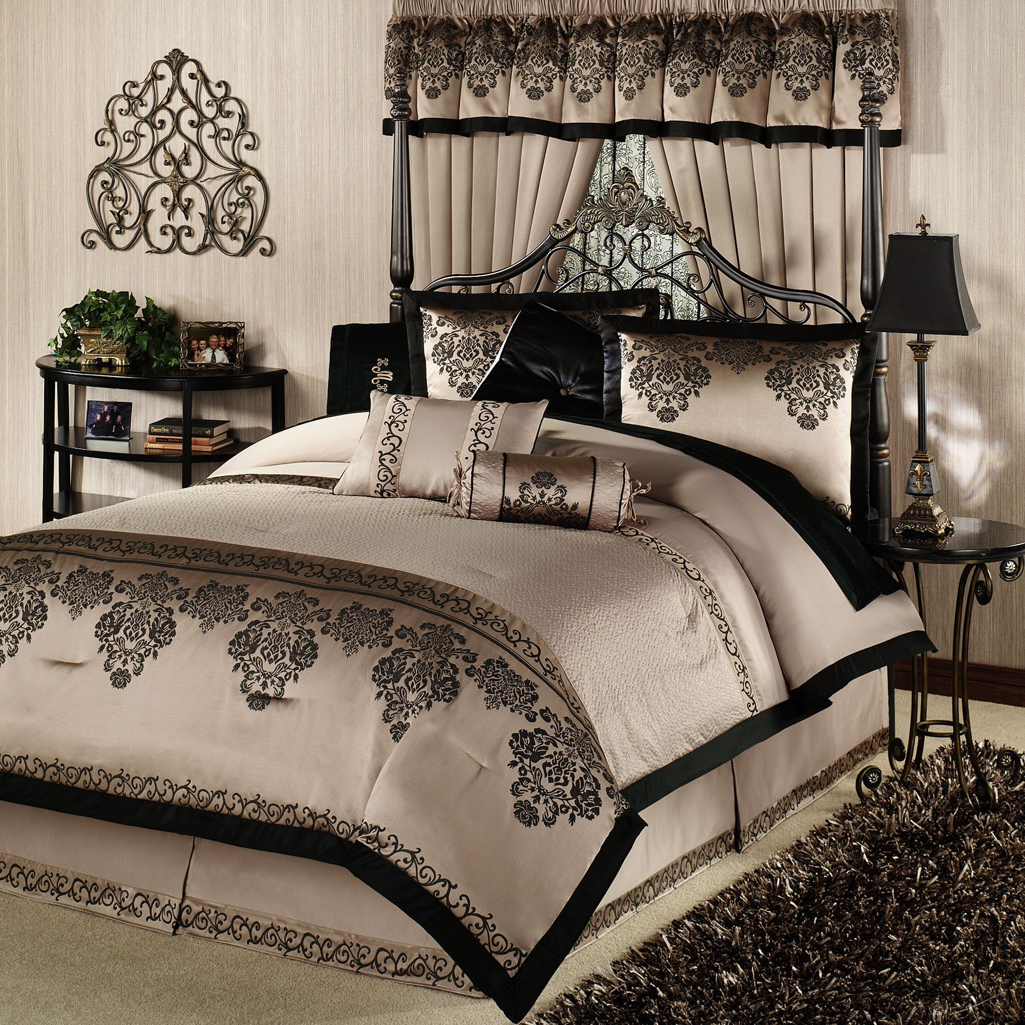 King Size Bed Comforters Sets Overview Details Sizes Swatch Reviews The Elegant Camelot Ii Bedding