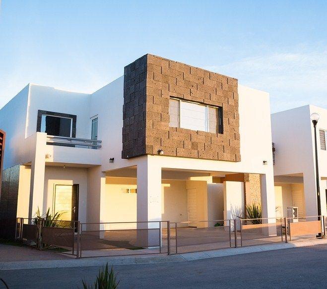Fachadas de casas con cantera chocolate ideas para el for Acabados fachadas minimalistas
