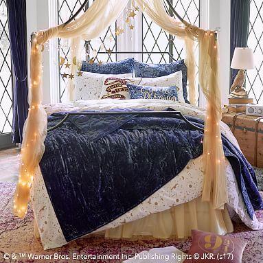 Harry Potter Tm Magical Velvet Quilt Full Queen