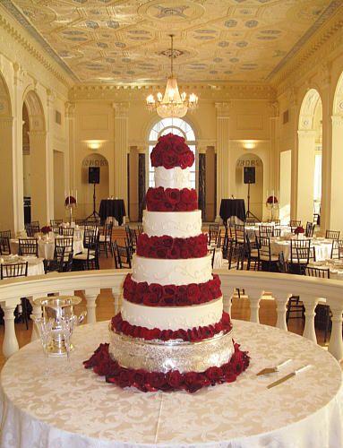 christmas poinsettia wedding christmas wedding cake tieredjpg