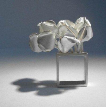 Ute Kolar, Ring, Tulip, 2003