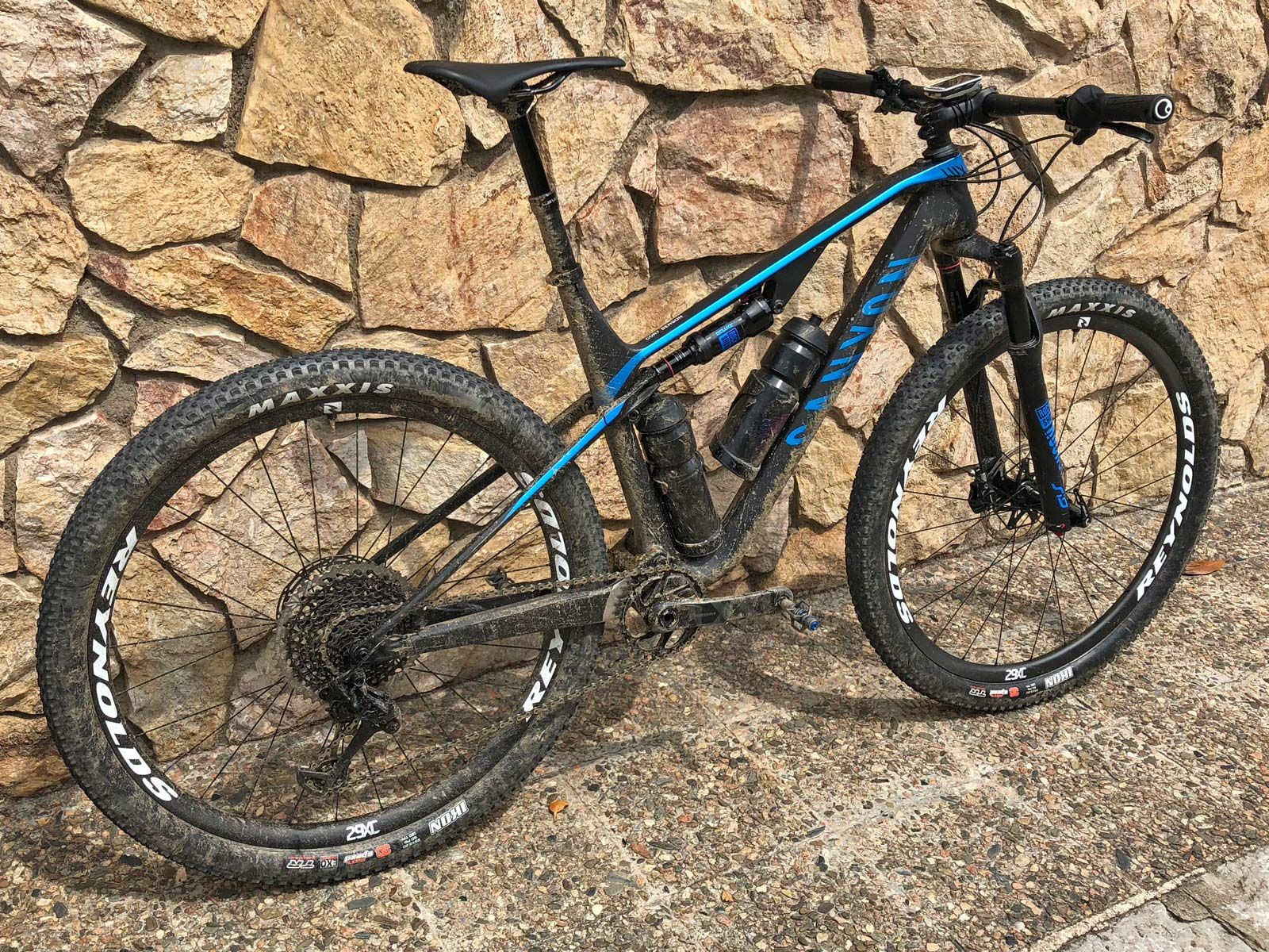 First Rides 2019 Canyon Lux Light Capable 100mm Travel Carbon Xc