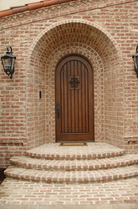 Mediterrane Haustüren glen gery s barlow handmade brick is the choice for this