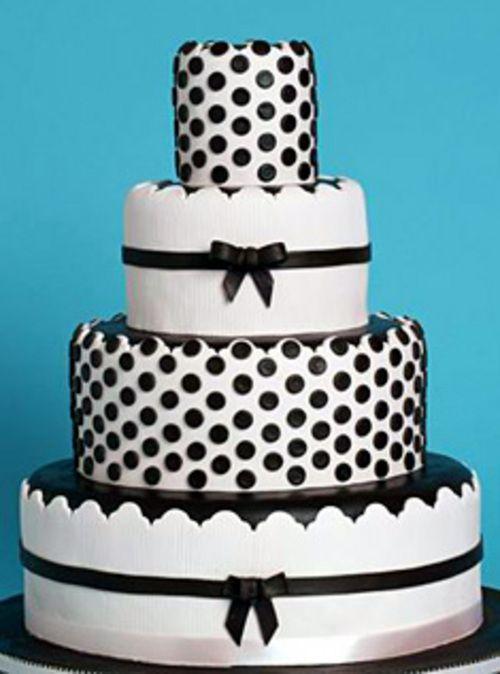 Polka Dot Wedding Cake In Black And White Omg I Want A Polka Dot Cake