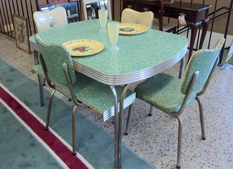 Formica 50s Kitchen Table And Chairs Well At Least The Colour Is In Vintage Kitchen Table Dinette Sets Vintage Furniture