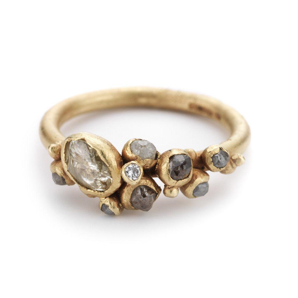 White and Grey Diamond Cluster Ring – Ruth Tomlinson. JoiasAnel De Diamante  ConjuntoConjunto De Anéis De NoivadoAnéis De Diamantes Em BrutoBrincos ... aacd1a774c
