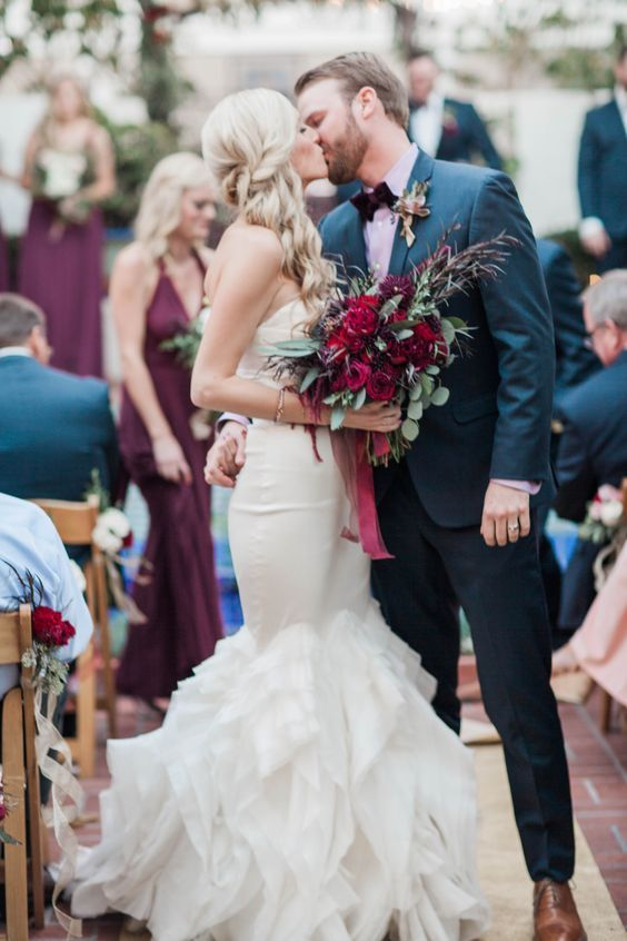 Darlington House winter garden wedding with navy & shades of marsala, berry & burgundy / http://www.deerpearlflowers.com/burgundy-and-navy-wedding-color-ideas/