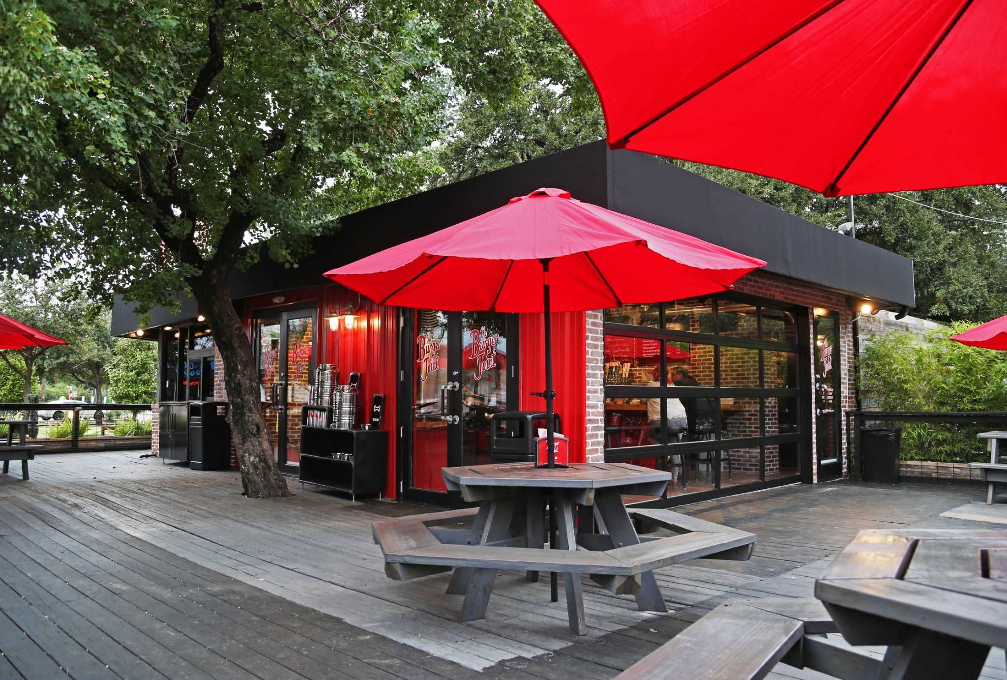 Houston S Dog Friendly Bars Restaurants Dog Friends Houston Bars Houston Restaurants