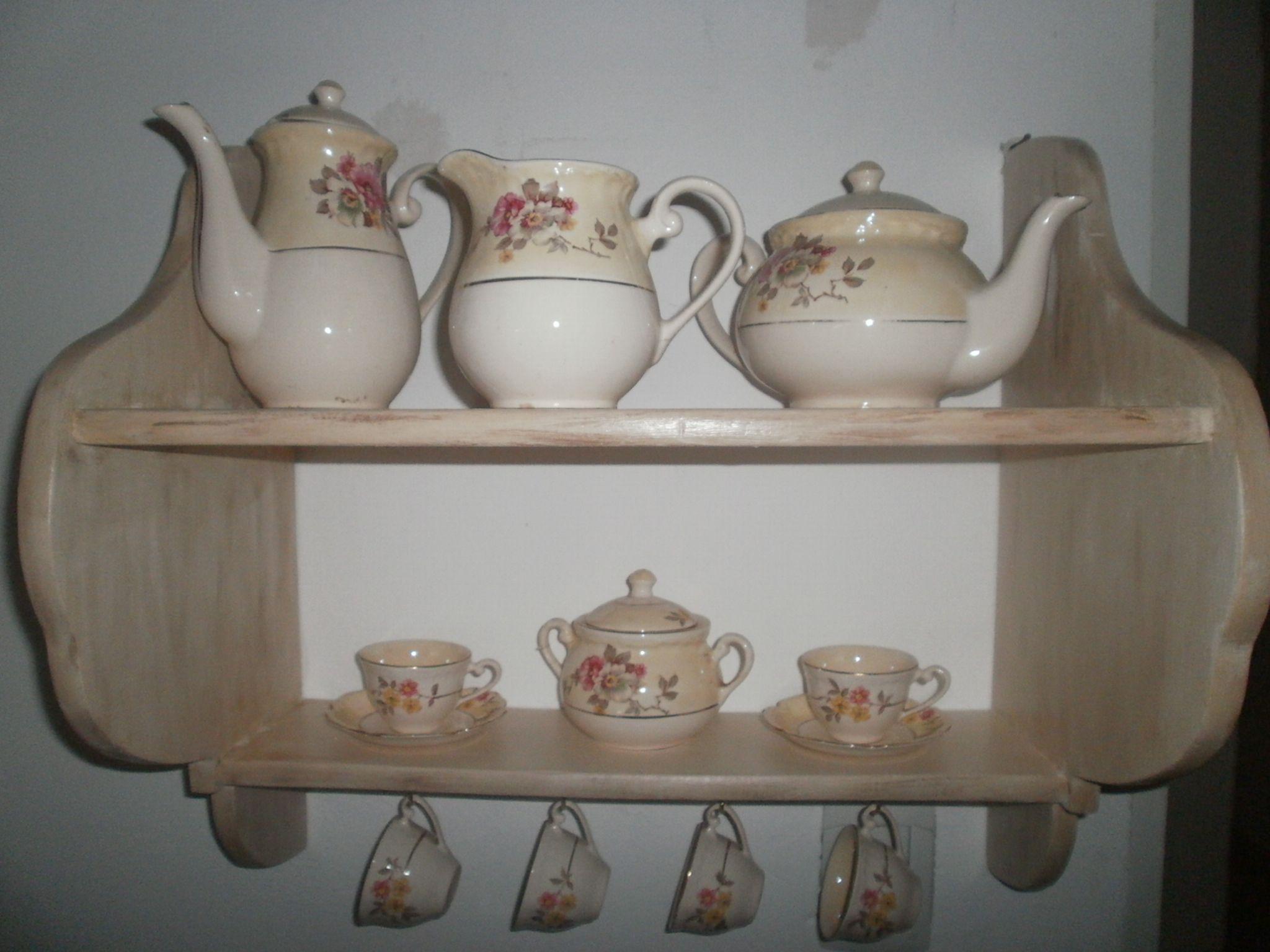 Repisa con vajilla antigua muebles antiguos pinterest for Cocina con muebles antiguos