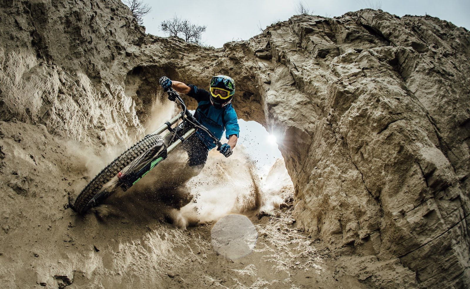 mountain biking video: great compilation of all different aspects, Powerpoint templates