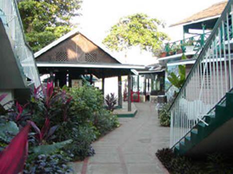 Bar B Barn Hotel - Negril Jamaica | Negril jamaica, Bar b ...