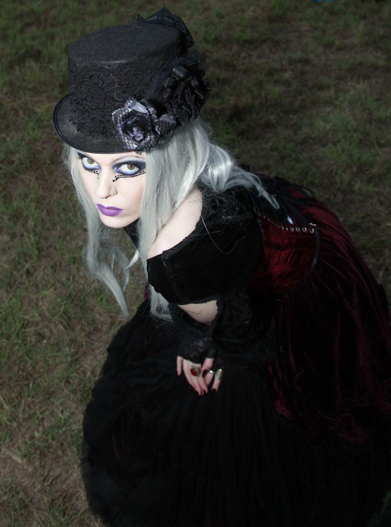 "moonlitmidnightmay: "" Victorian Girl """