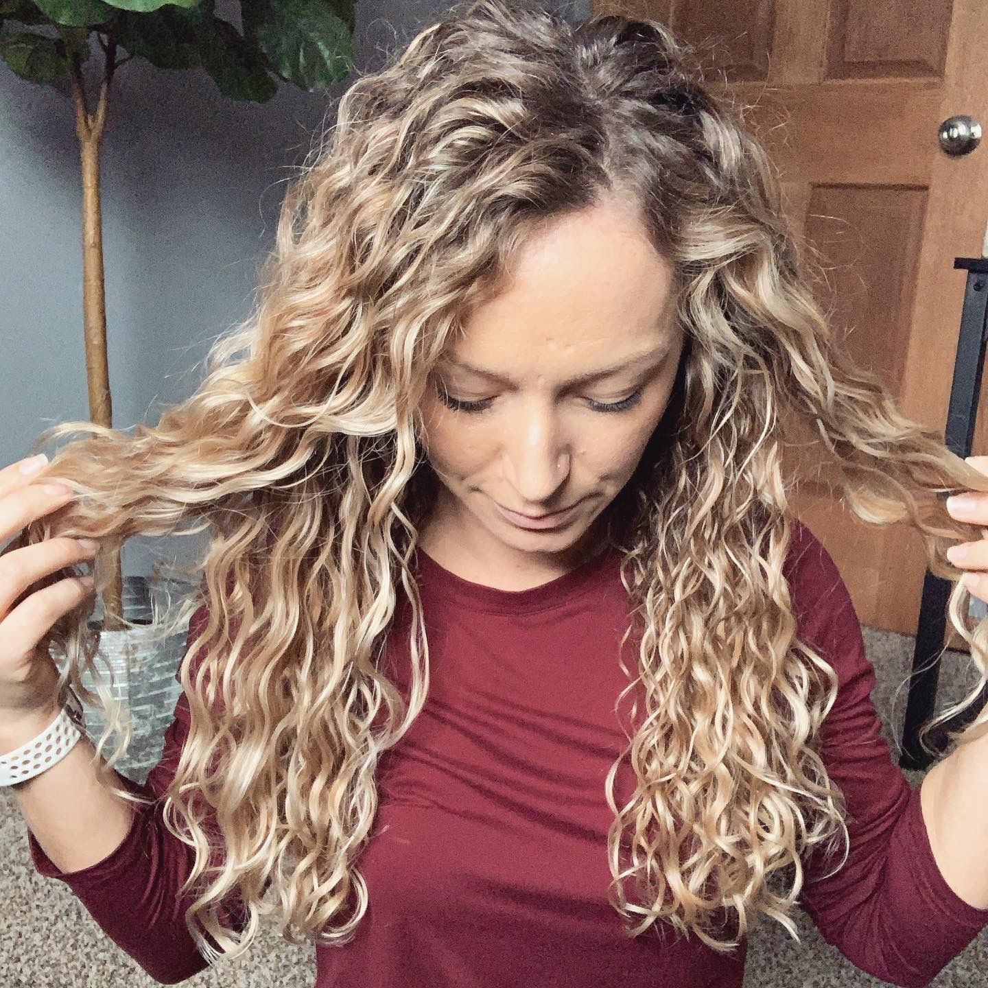 45 Charming Bride S Wedding Hairstyles For Naturally Curly: #curlyhair #curlygirlmethod #naturallycurly #curly In 2020