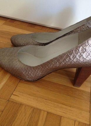 Kaufe meinen Artikel bei #Kleiderkreisel http://www.kleiderkreisel.de/damenschuhe/hohe-schuhe/134841352-pumps-bronze-von-hogl