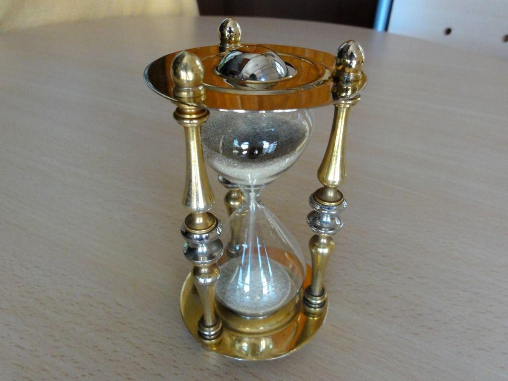 Relojes antiguos de arena for Fotos de reloj de arena
