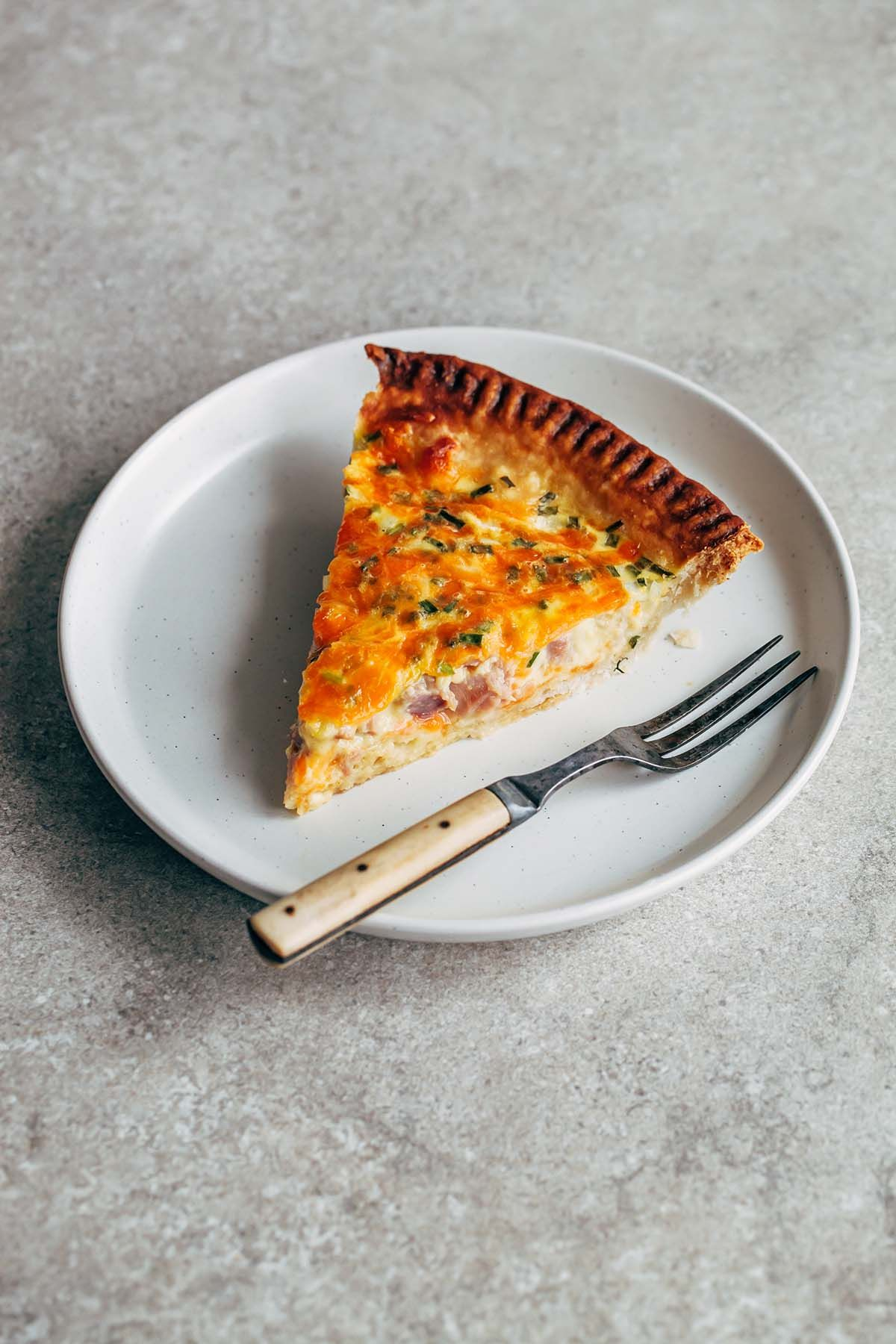 Buttermilk Quiche With Ham Cheddar And Chives Recipe In 2020 Quiche Buttermilk Recipes Yummy Food