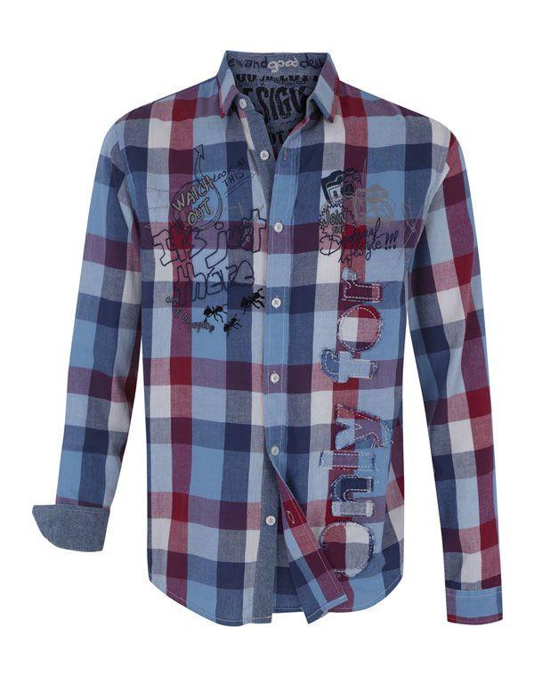 43d9e7b06d156 Una camisa a cuadros moderna y muy casual. Para hombres.