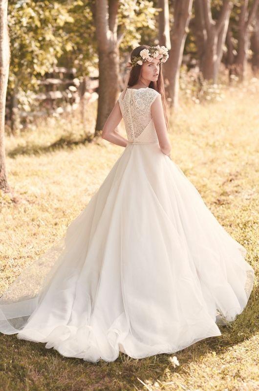 Lace & Tulle Wedding Dress Style #2068 – Back