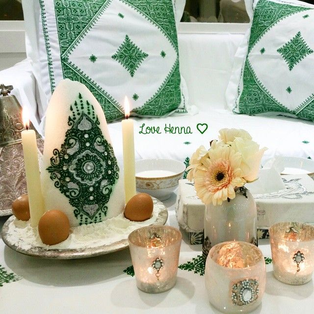 White Candle With Green Henna Design Henna Party Moroccan Wedding Moroccan Henna