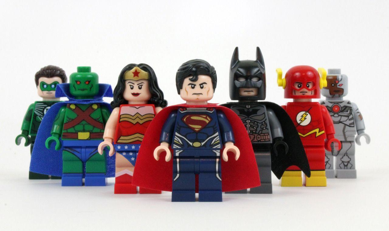 LEGO superheroji