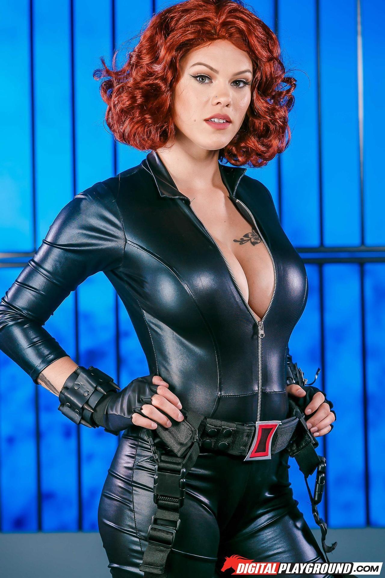 Black widow cosplay porn