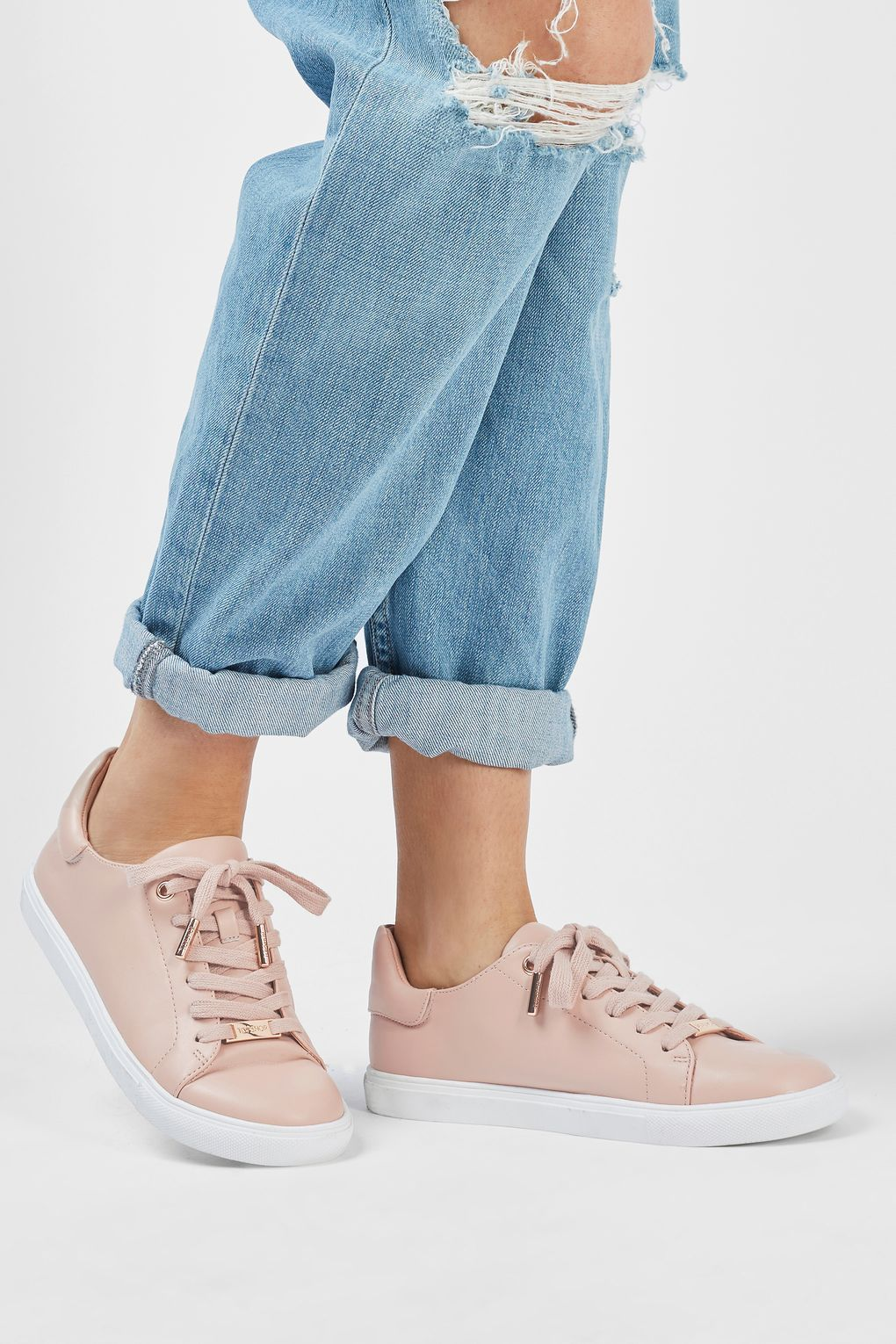 a80352f2ec8 CATSEYE2 Lace Up Trainers