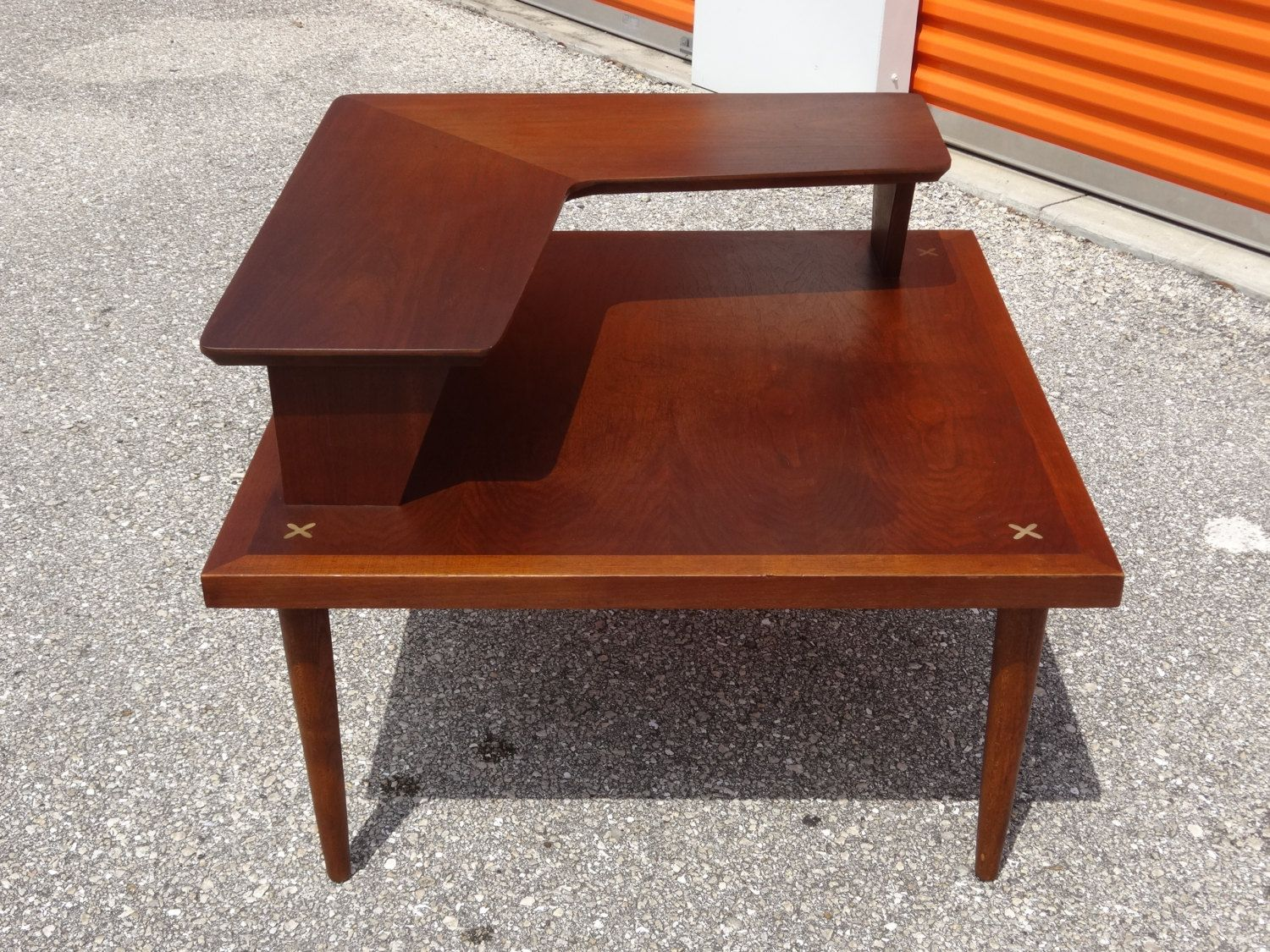 On Sale RARE Mid Century Modern American Of Martinsville 2 Tier Boomerang  Corner Table With Aluminum X Inlay