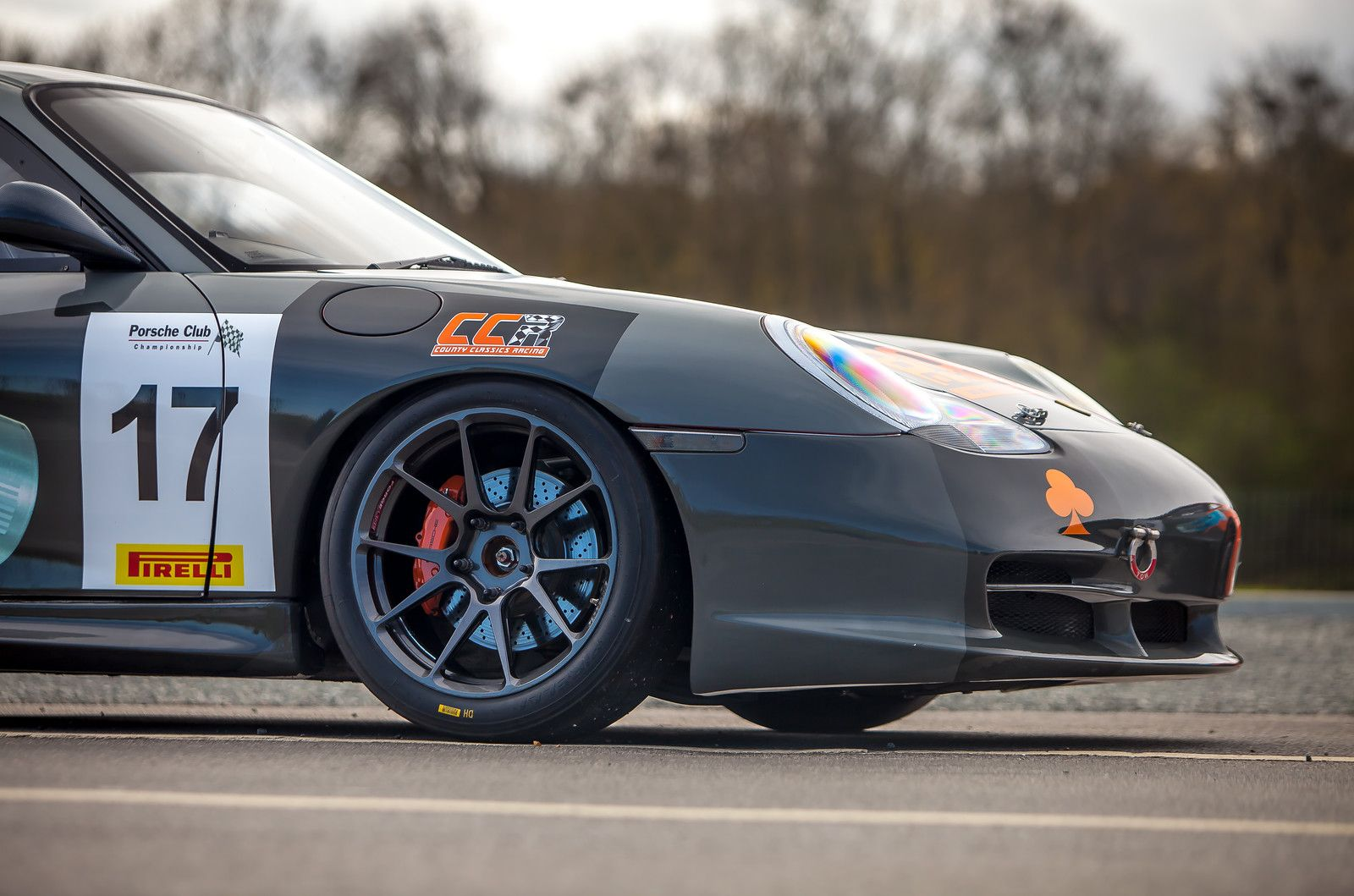 The Country Classics UK Race Team Competes In The Porsche Club - Porsche club racing