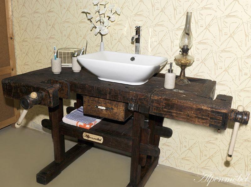 alpenm bel waschtisch mit viel liebe zum detail wird. Black Bedroom Furniture Sets. Home Design Ideas