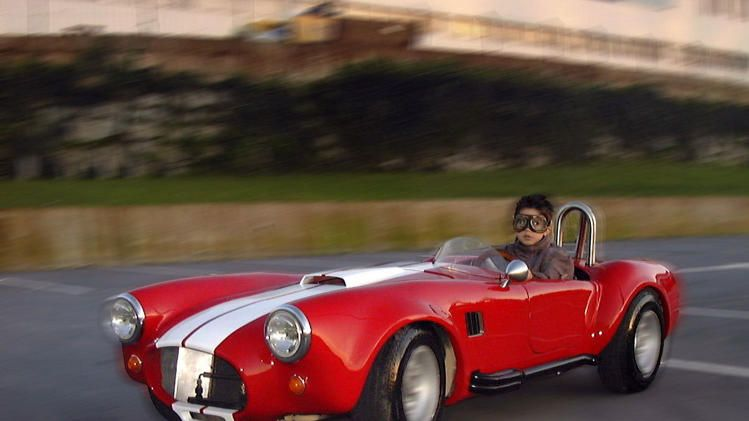 Kid Sized Shelby Cobra Comes With 7 Horsepower And Swag For Days Shelby Cobra Shelby New Cars