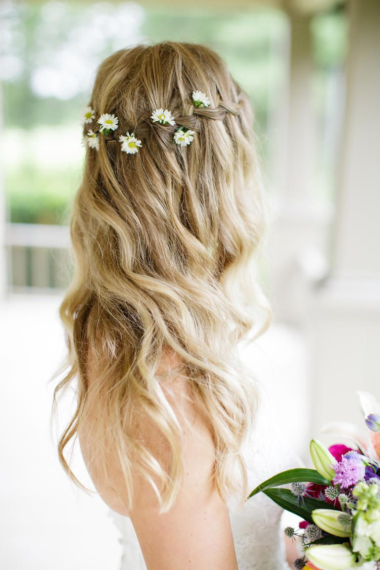 You Ll Swoon Over These 22 Dreamy Flower Crowns My Wedding Ideas