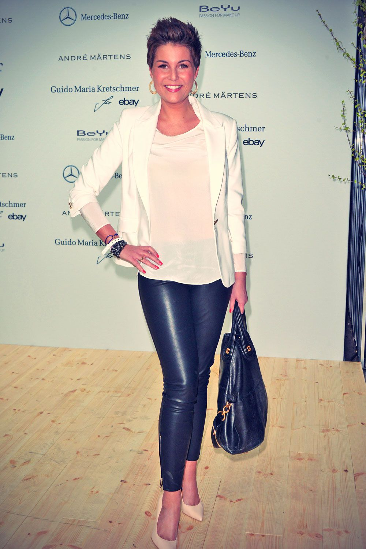 Andrea Osvárt Sexy pin on fashionlove