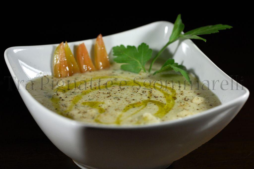 Zuppa di fagioli del purgatorio, pesce spada e filetti di pomodoro Torpedino