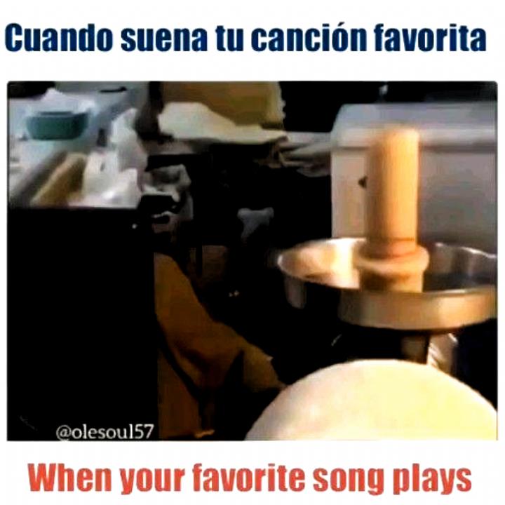 Funny Spanish Ingles Video Meme When Your Fav Song Comes On Comes Fav Funny Ingles Memewhen Song Funny Spanish Memes Funny Relatable Memes Stupid Memes