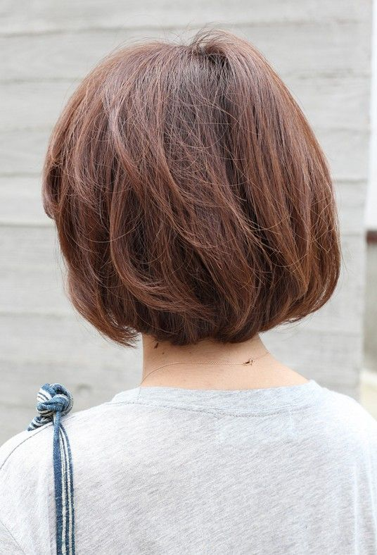 view short brown bob hairstyle