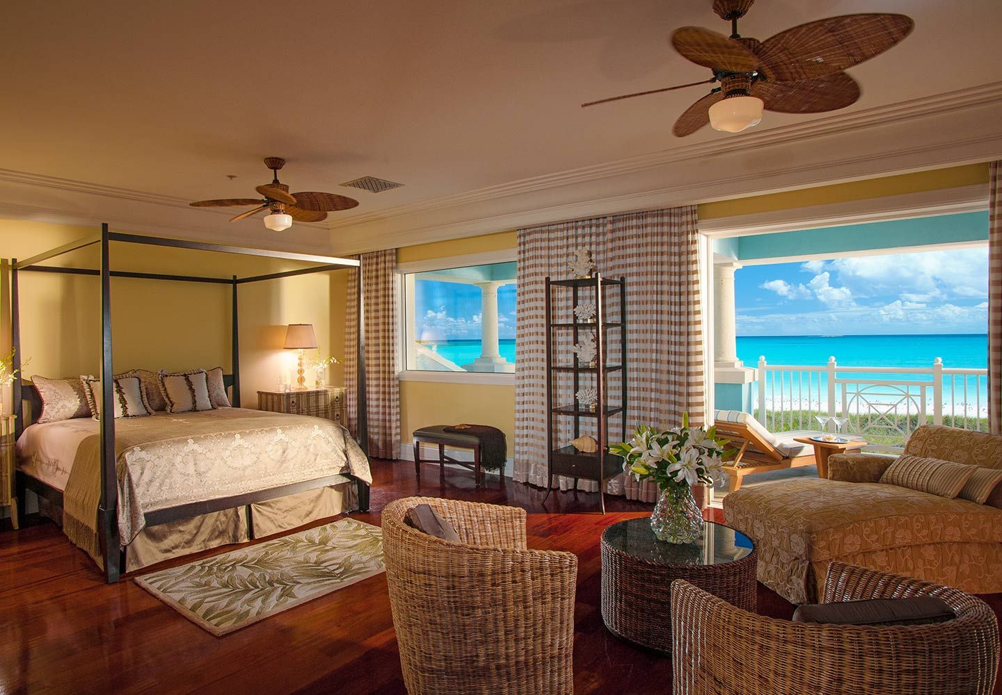 Best The Master Bedroom Of Royal Estate Beachfront 2 Story 1 400 x 300