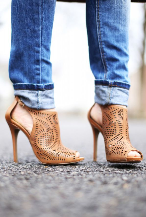 Pin by Ezgi Taylan on I ♡ Shoes | Heels, Women shoes, Boots