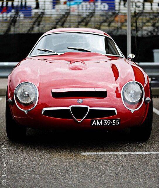 megadeluxe:  Alfa Romeo TZ. By Jeroen Sick.