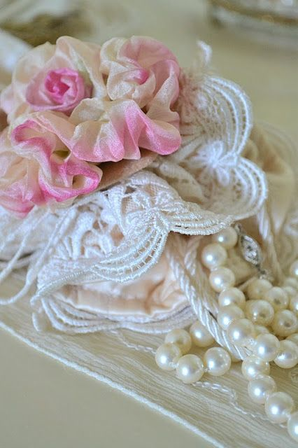 Jennelise: Roses and Pearls