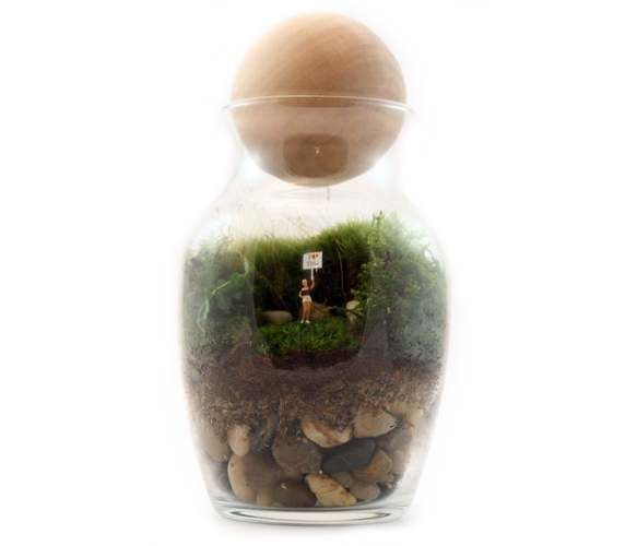 Gentle Reminder Kit – Kits come with everything you need to make your own little green world, including healthy, happy moss. Figures will vary; all of them adorable.
