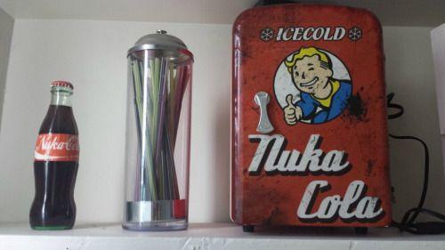 Nuka Cola Mini Kühlschrank : Wastelandporn nuka cola mini fridge diy mini fridge cola mini
