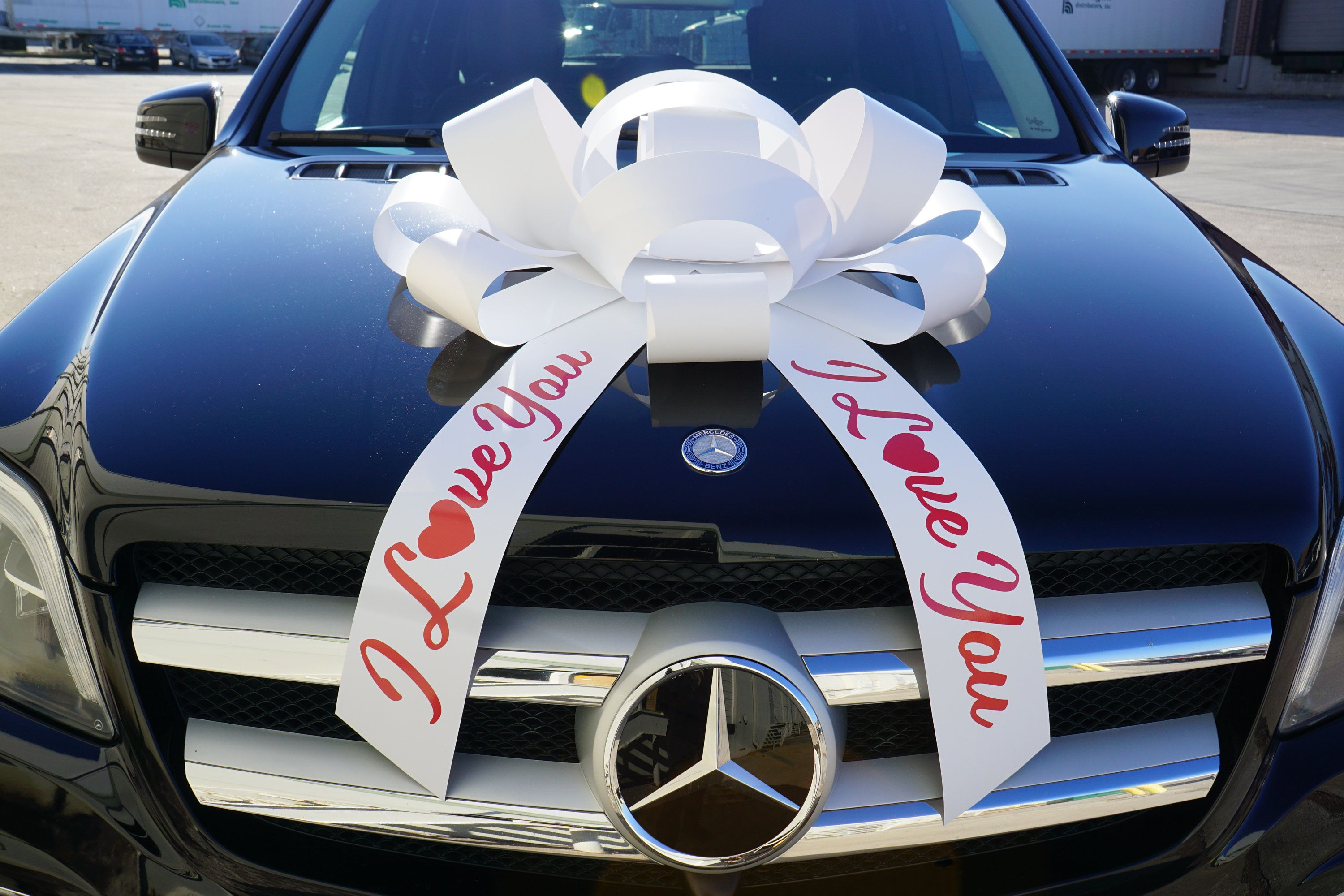 """30/"""" Big Red /""""Happy Holidays/"""" Magnetic Car Bow Made In USA"""