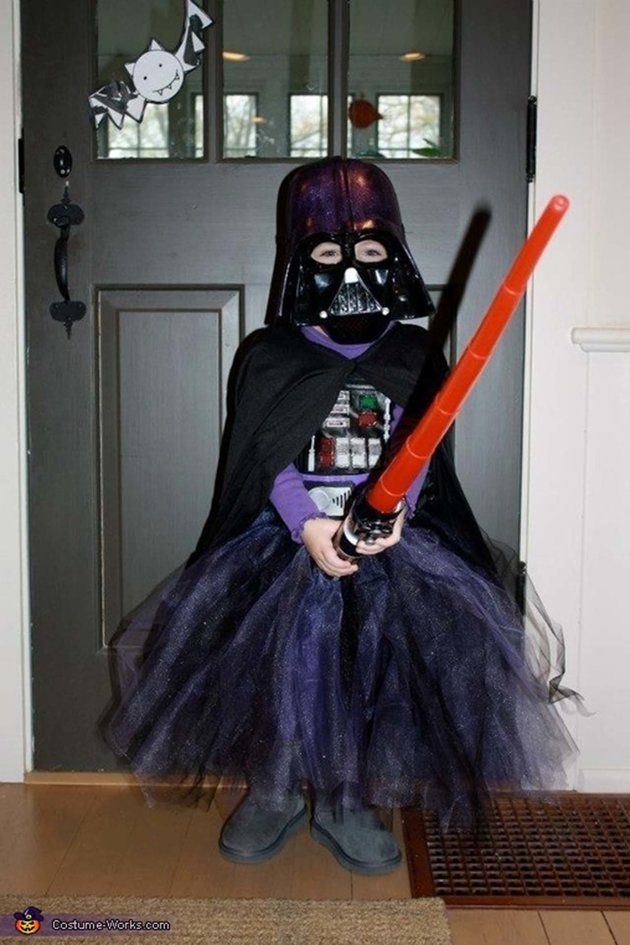 57 Fierce Halloween Costumes For Girls Who Rock | Try out this scary but fun Darth Vader costume